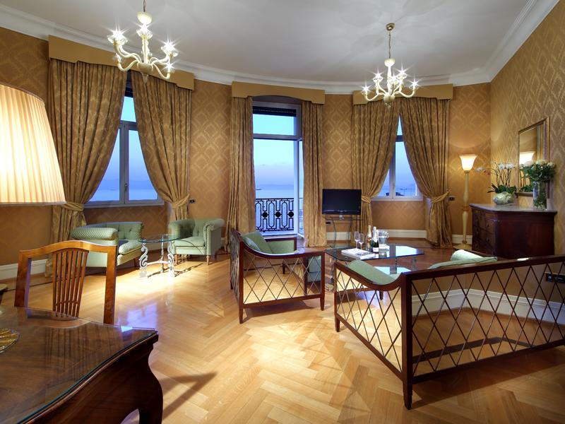 Hotel-Excelsior-Naples (3)