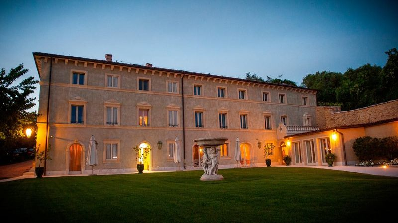 Relais Fra Lorenzo evening time