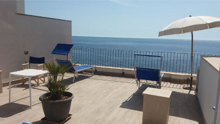 Two Bedroom Apartment with Terrace Sea View - Giuggiulena B&B