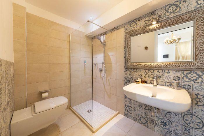 hotel quattrocuori Respiro Deluxe Double Room bathroom