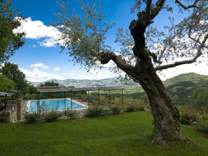 villa_di_monte_solare_pool_gelsi